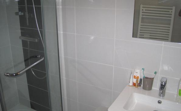 salle d'eau studio benodet proche plage et thalasso